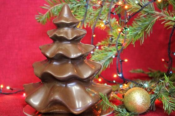 Большая шоколадная ёлка