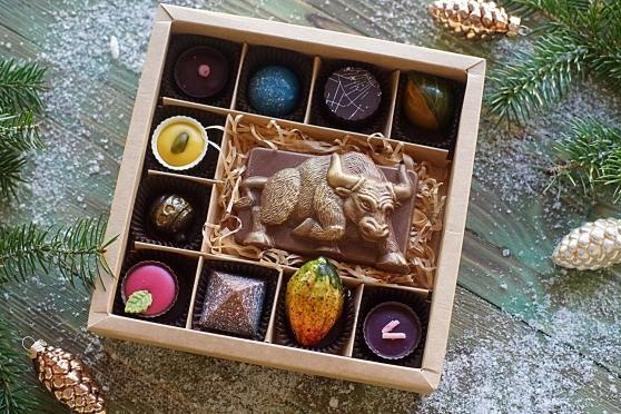 Бык с корриды и конфеты 10
